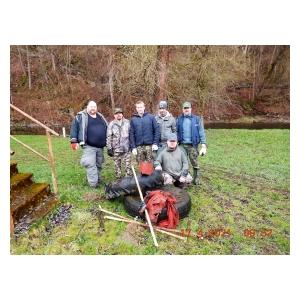 Soutičtí rybáři čistili Sázavu a Želivku